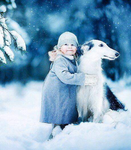 No hay momentos mejores que ver un niño acariciar a su amigo fiel .Felicito a los padres que les inculcan a sus hijos amar a los animales.