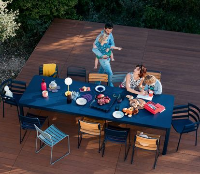 Collection Ribambelle Fermob Tables De Jardin Extensibles En 2020 Mobilier Jardin Table De Jardin Table A Rallonge