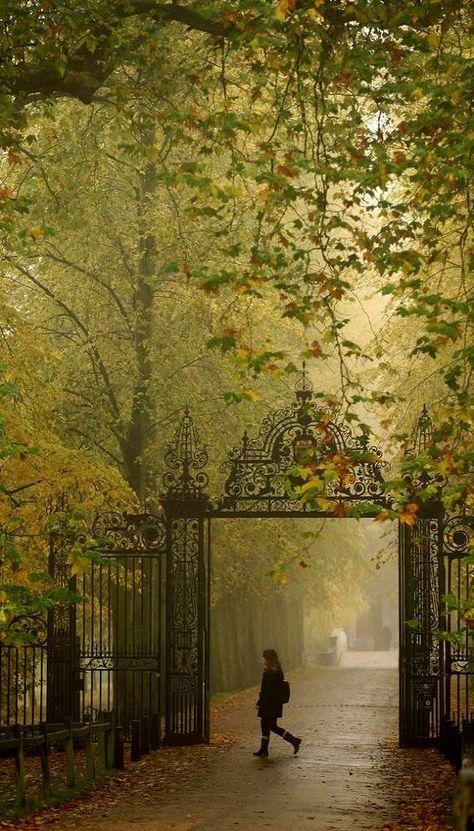 Trinity College - University of Cambridge, England