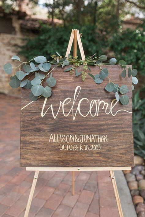 welcome sign @weddingchicks