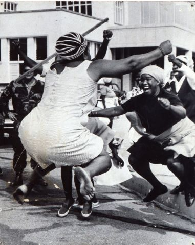 Independence Day in Zimbabwe, 1980 JOY! Independence Day in Zimbabwe, 1980 Shall We Dance, Lets Dance, Tanz Poster, Black Is Beautiful, Beautiful People, Dance Like No One Is Watching, Dance Movement, Dance Photography, People Photography