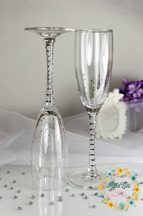 Brilliant Wedding champagne glasses with shimmering