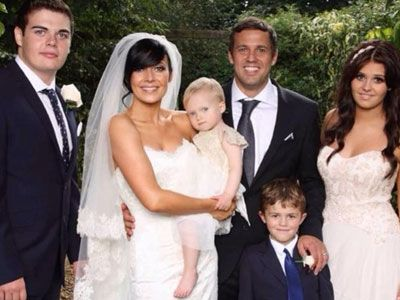 Kym Marsh Jamie Lomax Married 2nd September 2017 Alicia Lace Edge Veil By Hmveils Dress Suzanne Neville Www Co Uk Pinterest