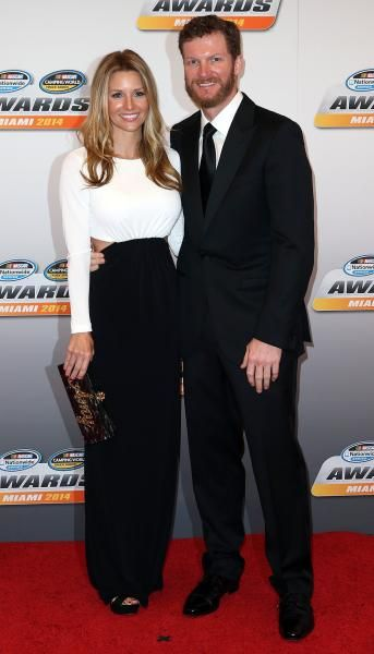 Dale Earnhardt Jr. and his girlfriend Amy Reimann : NASCAR drivers' beautiful wives and girlfriends