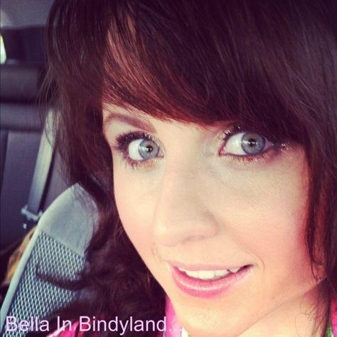 bella in bindyland make up gold blue eyes