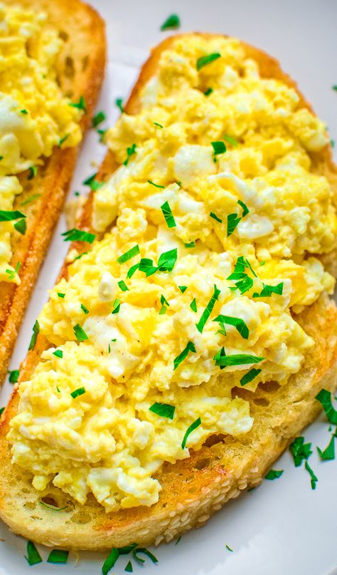 The Best Scrambled Egg Toast