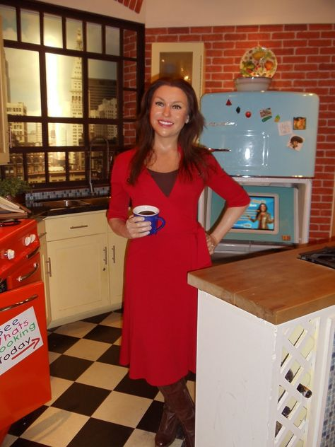 Rachael Ray(4. This doesn't even look good for a wax figure, let alone looking like Rachael Ray).