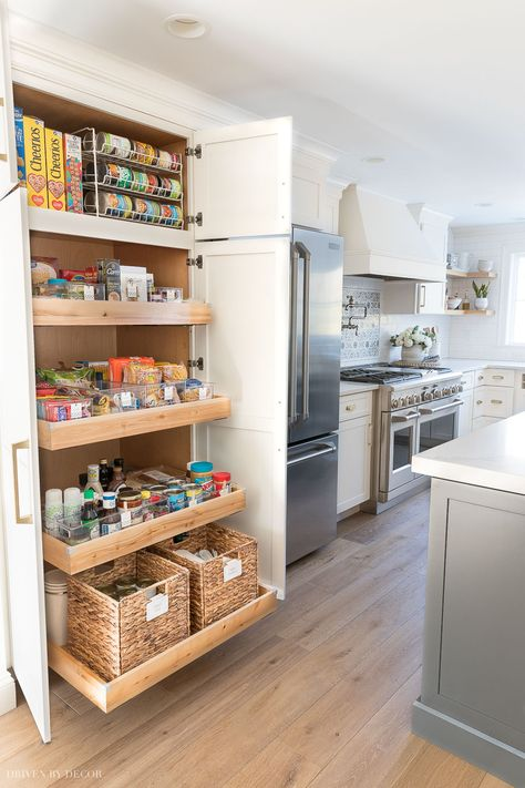 pantry organization ideas I'm all about a good pantry purge so when the ladies from Project Design (Cindy from Rough Luxe Lifestyle, MaryAnn from Classic Casual Home, & Annie from Most Lovely Things) asked me to join them to share pantry Kitchen Pantry Design, Kitchen Pantry Cabinets, Kitchen Organization Pantry, Diy Kitchen Storage, Kitchen Interior, New Kitchen, Pantry Ideas, Kitchen Drawers, Organized Kitchen