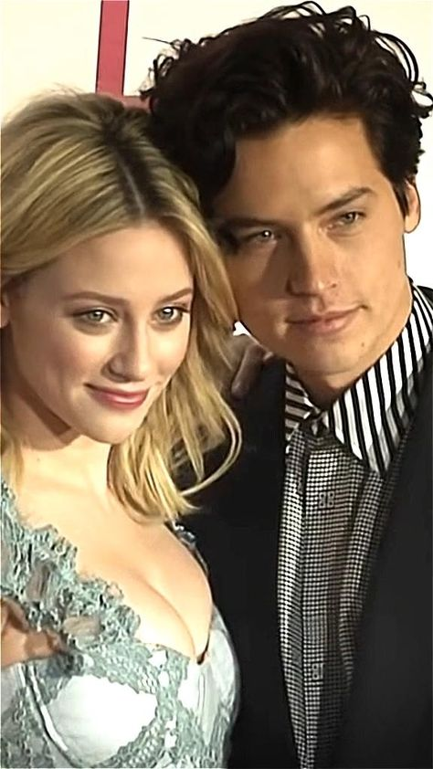 ✨Cole Sprouse and Lili Reinhart✨