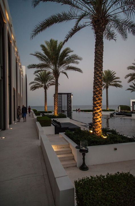 The Chedi Hotel, Muscat, Oman - sablon Beautiful Places To Travel, Beautiful Hotels, City Aesthetic, Travel Aesthetic, Dream Vacations, Vacation Spots, Chedi Hotel, Le Riad, Jolie Photo