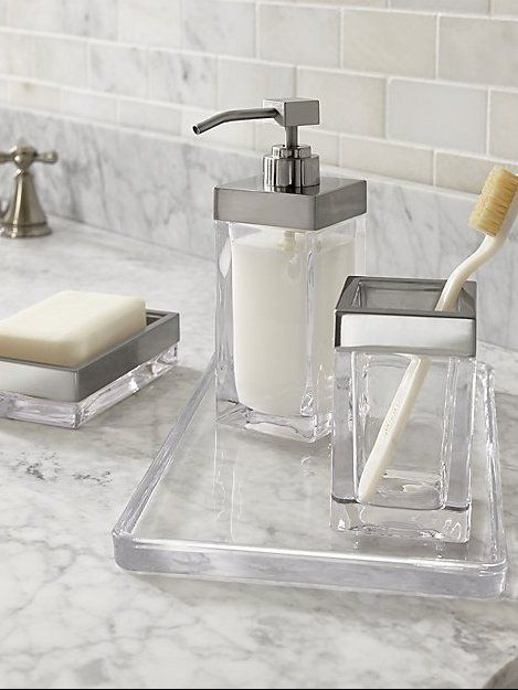 Clear Glass Blocks Out Clean Looking Bath Accessories In A Square