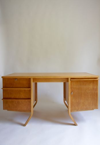 This Eb04 Birch Desk Was Designed By Cees Braakman In The 1950s For Dutch Company Pastoe It Features Bent Plywood Legs Desk Furniture Manufacturers Furniture