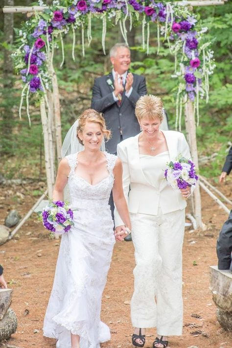 We believe that there is nothing more exciting than marrying 💍 your soulmate and making your way back down the aisle as newlyweds 💕! Don't you agree? We would be excited to host 💒 your journey to your happily ever after! #mhosr #woodedceremony #bethelweddings #sundayriverweddings #diyweddings #outdoorreceptions #outdoorceremony #maineoutdoorreception #smallbarnweddings #imengaged #newlyengaged #myweddingday #isaidyes 📷: Classic Photographers - @classicphotographers_