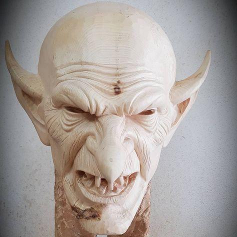 Wochenteiler 🤙#maske #krampus #künstler #krampusmasken #kunst #perchten #perchtenmaske #petzlmasken #holz #schnitzen #sculptor #woodart #woodworking #woodcarving #wood #art #artist #austria #bildhauer #brauchtum #biosphere #loavn #loavnschau #lungau