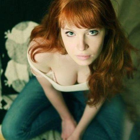 Redhead Monika Momenti