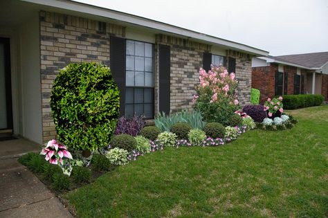Landscape Ideas For Front Of A Brick Ranch Style House Front