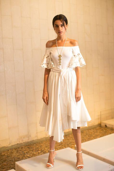 Josie Natori Spring 2017 Ready-to-Wear Collection Photos - Vogue