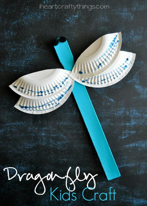 Use a paint stick to make this Dragonfly Craft for Kids. Simple and fun kids craft for spring or summer and for preschool. From iheartcraftythings.com