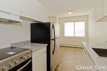 Check Out This Building On Zumper In 2020 Apartments For Rent Lakeview Apartments Apartment