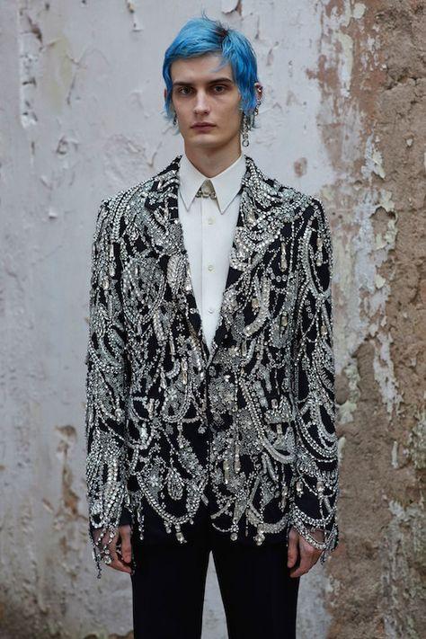 Alexander McQueen Fall 2019 Menswear Collection Review #alexandermcqueen #fall2019 #menswear #paris #pfw