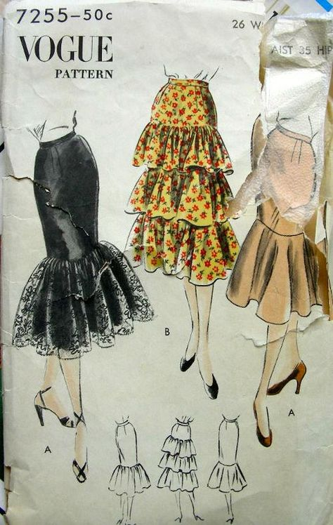 Vogue ca. Dress Making Patterns, Vintage Dress Patterns, Pattern Making, Vintage Dresses, Vintage Outfits, Skirt Patterns, Fashion Design Drawings, Fashion Sketches, Drawing Fashion