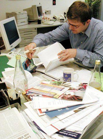 Chaotischer schreibtisch  Studie zu Kreativität: Chaotischer Schreibtisch hat auch Vorteile ...