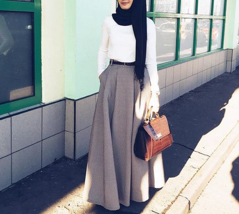 Perfect for work wear.  Love the material of the skirt ♡ #hijab