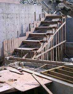 Cantilevered Concrete Stair Formwork 800×1,033 Pixels