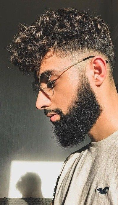 Stunning Curly Fade Hairstyles For Men To Rock Every Look Th Hairstyles 2019 2020 Goruntuler Ile Kivircik Sac Sac