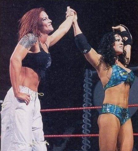 Chyna raises Lita's arm, Women's Division match, Chyna's last match, WWF, WWE, 2000