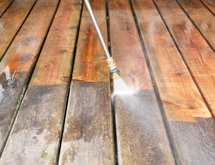 Essential Steps And Tips For Refinishing A Wood Deck Terrasse Bois Bois Terrasse