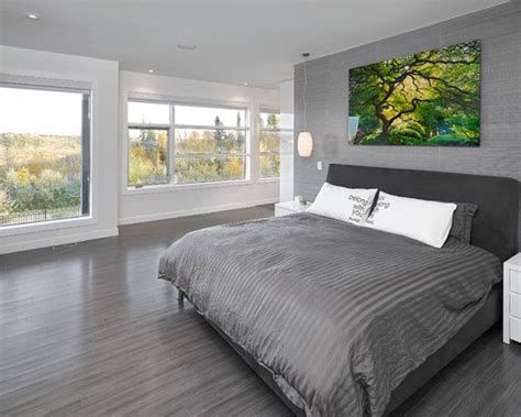 Grey Bedroom With Hardwood Floors In 2020 Grey Bedroom Bedroom Flooring