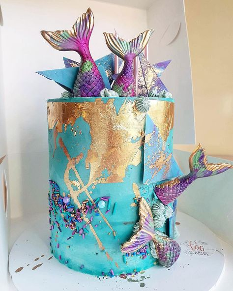 "Saadia-Canberra Cake Designer on Instagram: ""MER-MAZING 🧜🏻‍♀️🤩. Lovely 6year old birthday girl going to get very spoiled . Cookies and cream cake layers with milk chocolate ganache .…"""