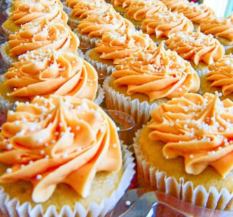 Celebrate creamsicle day with cannabis infused orange vanilla cupcakes! #NationalCreamsicleDay #CreamsicleDay  ⠀  #High #Cannabis #HighLife #CannabisCommunity #HighSociety #Kush #HighTimes #MaryJane #THC #Ganja #MJ #HighWay #Lifted #TopShelfLife #GoGreen #MMJ #FueledbyTHC #Blunt #Joint #DabbersDaily #CannabisCulture #Hash #Herb #Hybrid #Sativa #Indica #GanjaGirls #WakeNBake Recipe for vegan creamsicle cake and frosting not included.