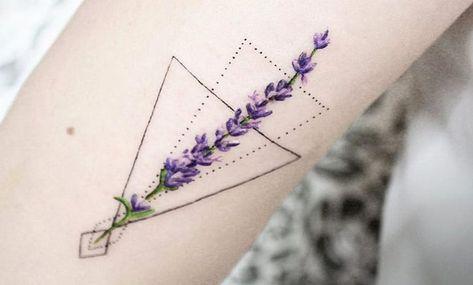 Tatuajes De Lavanda Significado Y Recopilacion De Disenos Tatuaje Lavanda Tattoos Triangulos Tatuajes