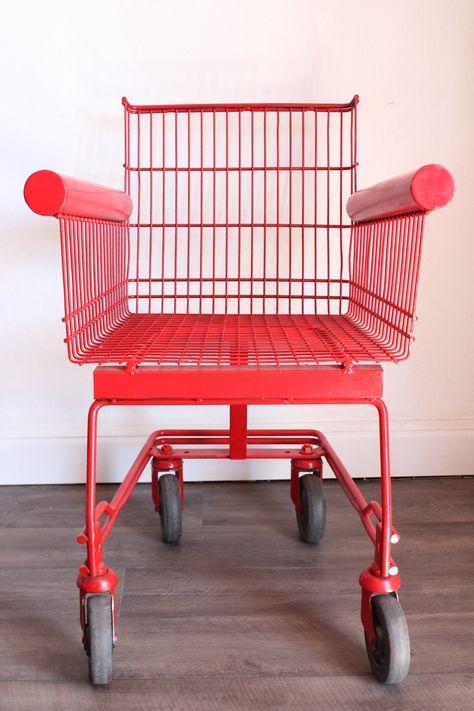 Fauteuil chariot de supermarché rouge