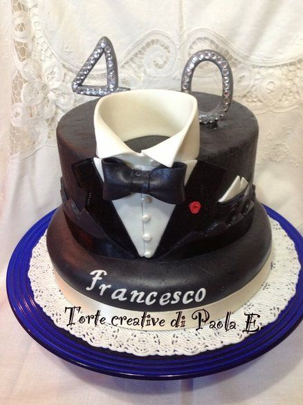 Tuxedo cake, 40th birthday cake. Torta smoking x i 40 anni.  Cake by TortecreativePaolaE