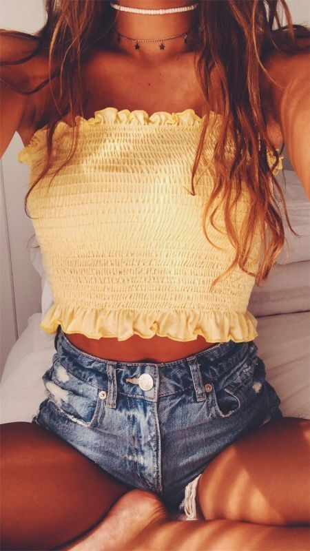 LOVE HER 'SCRUNCHED' CROP TOP, WHICH LOOKS JUST FABULOUS WITH HER SHORT, SHORT DENIM SHORTS & A 'TOUCH' OF BLING! - LOOKS STUNNING! 