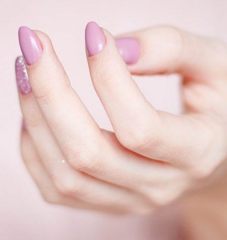 How To Make Your Mani Last Through Summer Easy Diy Beauty Products Neutral Nails Neutral Nail Polish Colors