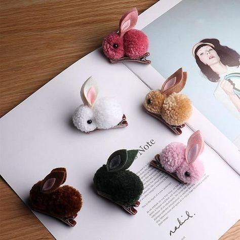 Des lapinoux tout doux en pompon | La Grenouille Tricote