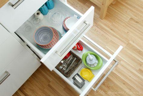 Montessori: come organizzare la cucina   Materiali poveri ...