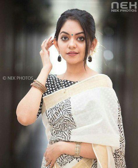 59 Saree Photo Poses Ideas Saree Saree Designs Elegant Saree See more of selfie mirror on facebook. 59 saree photo poses ideas saree