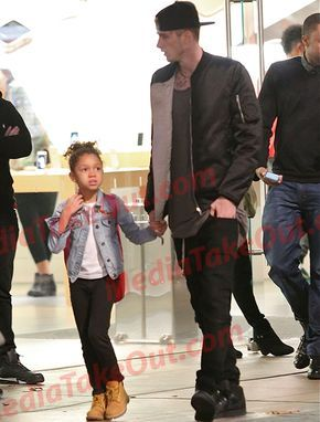 Machine Gun Kelly And His Daughter Mgk Love Lace Up Est 19xx