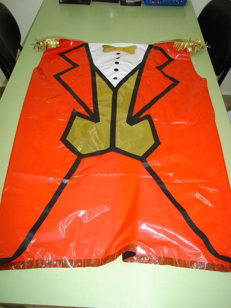 Circo -12 disfraz de domador con bolsa http://www.multipapel.com/familia-material-para-disfraces-maquillaje-bolsas-de-color.htm