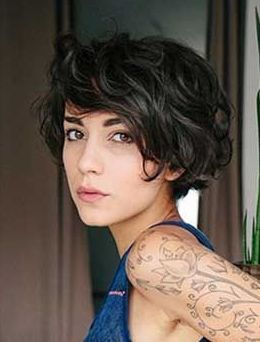 Cute Hairstyle For Short Hair Haircuts For Wavy Hair Short Wavy Hair Hair Styles