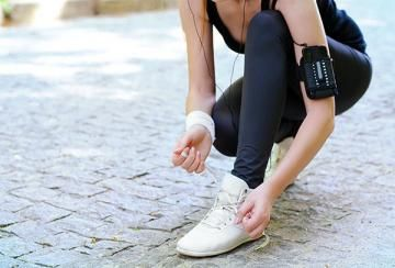 Signs You Have Shin Splints—And How to Treat Them