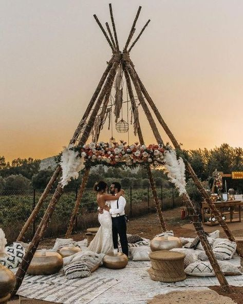 45 Affordable Boho Wedding Theme Design Ideas That You Need To Have