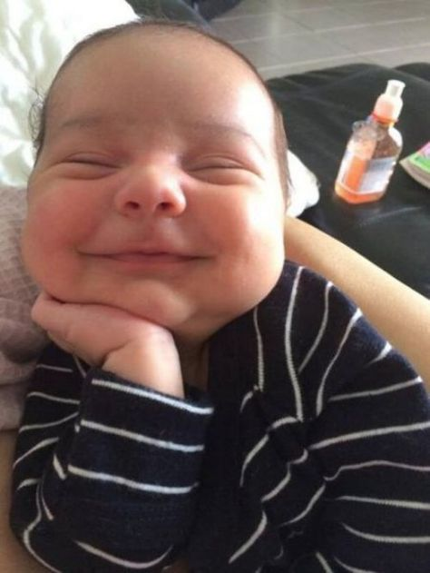 Everybody Loves a Happy Baby - Baby Benadryl - Baby Sleeping with a Smile  ---- best hilarious jokes funny pictures walmart humor fail