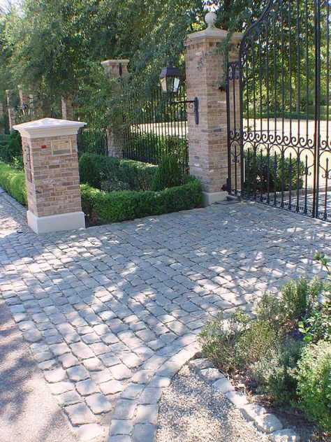 granite cobblestone driveway - Google Search Cobblestone, Brick