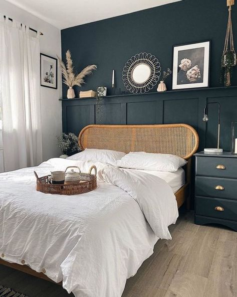 Bedroom Decor Dark, Bedroom Green, Room Ideas Bedroom, Home Bedroom, Modern Bedroom, Dark Master Bedroom, Master Bedroom Design, Blue Bedroom Colors, Dark Gray Bedroom